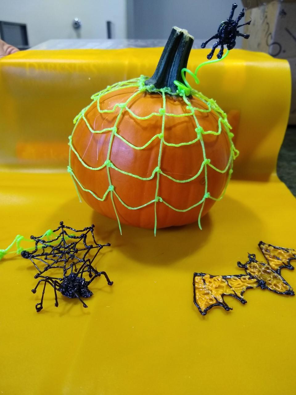 Georgetown Library Halloween 2020 3D Pen Pumpkin Decorating! | Georgetown Peabody Library